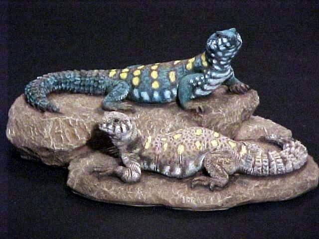 http://www.kingsnake.com/uromastyx/images/OrnSculpt.jpg